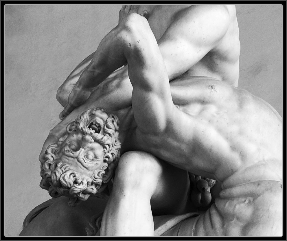 Giambologna - Page 2 Escultura_Giambologna-HerculesEOCentauro_PiazzaDellaSignoria_Firenze-111009-E_12339-raw-bwa